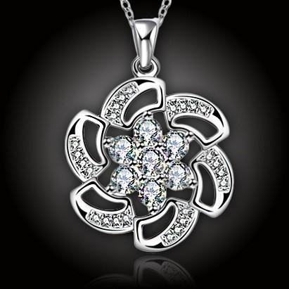 Perla orientu s krystaly